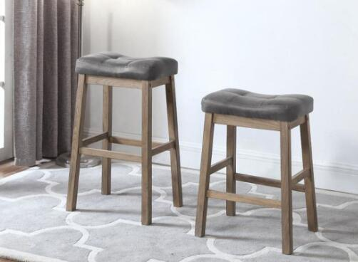 choosing bar stools without backs